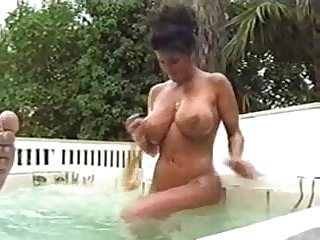 jacuzzi pool Holly Body