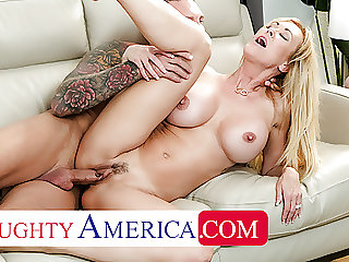 Naughty America - Bombshell Brandi Love is thankful