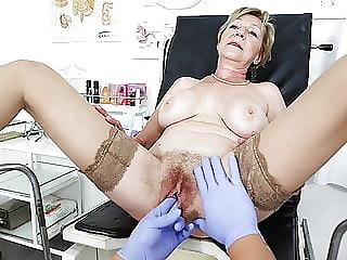 grandma gets fingered by her doctor