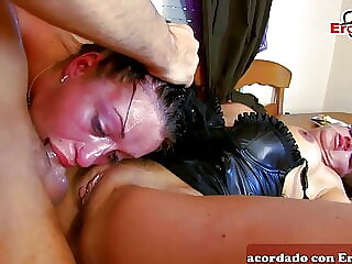 Spanish amateur homemade threesome ffm with anal