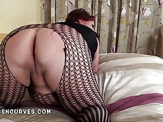 British BBW Charlie takes it up her ass