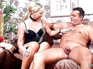 REAL GERMAN MATURE COUPLE FUCK IN FRONT OF OLD WOMAN