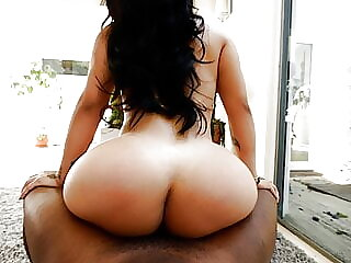 Exotic babe with HUGE ROUND ASS fucks 4 rap video casting