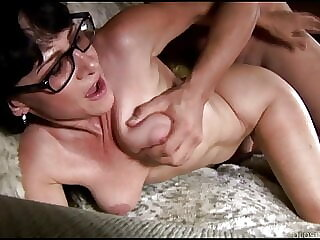 Naughty older lady sucking & fucking for a facial cumshot
