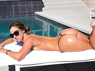 Jada Stevens takes on a massive shaft with her big juicy ass