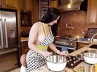 Rachel Starr Baking Cookie With Bae