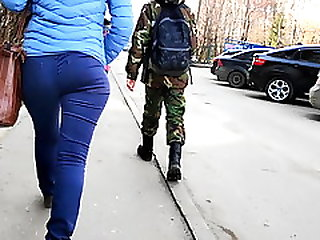 Juicy Ass Moms Shaking In Tight Jeans