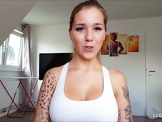 Young College Girlfriend First Blow and Swallow Cum in POV