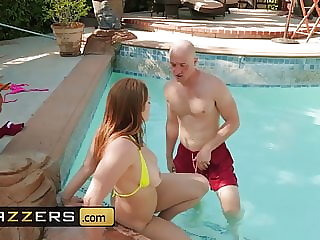 Big Wet Butts - Skylar Snow Zach Wild - No Splashing