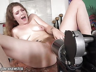 Fucking Sex Machine to Orgasm Apricot Pitts