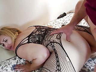 Lucky Art gives two hot BBWs Anal sex