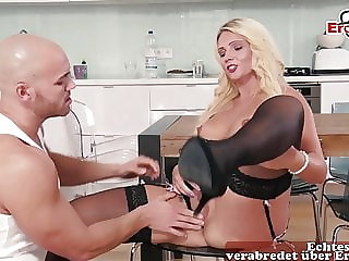 GERMAN HORNY HOUSEWIFE SEDUCES FITNESSTRAINER