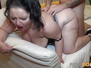 This BBW mature is a deepthroat expert!!!
